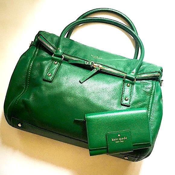 kate spade Handbags - {HP} Kate Spade 🍀 Large Leslie Cobble Hill Bag 🍀